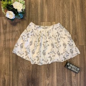 OLD NAVY BLACK AND WHITE FLORAL SKIRT SIZE SMALL